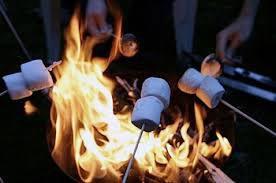 marshmallows_campfire