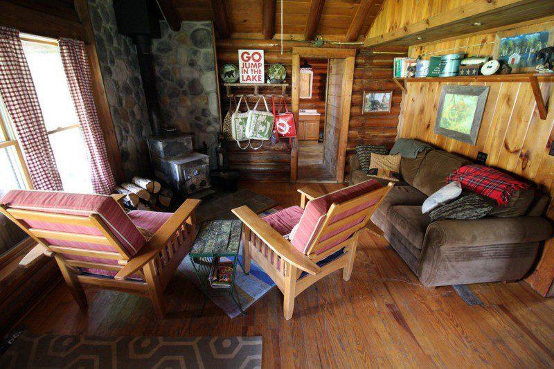 Cabin3LivingRoom