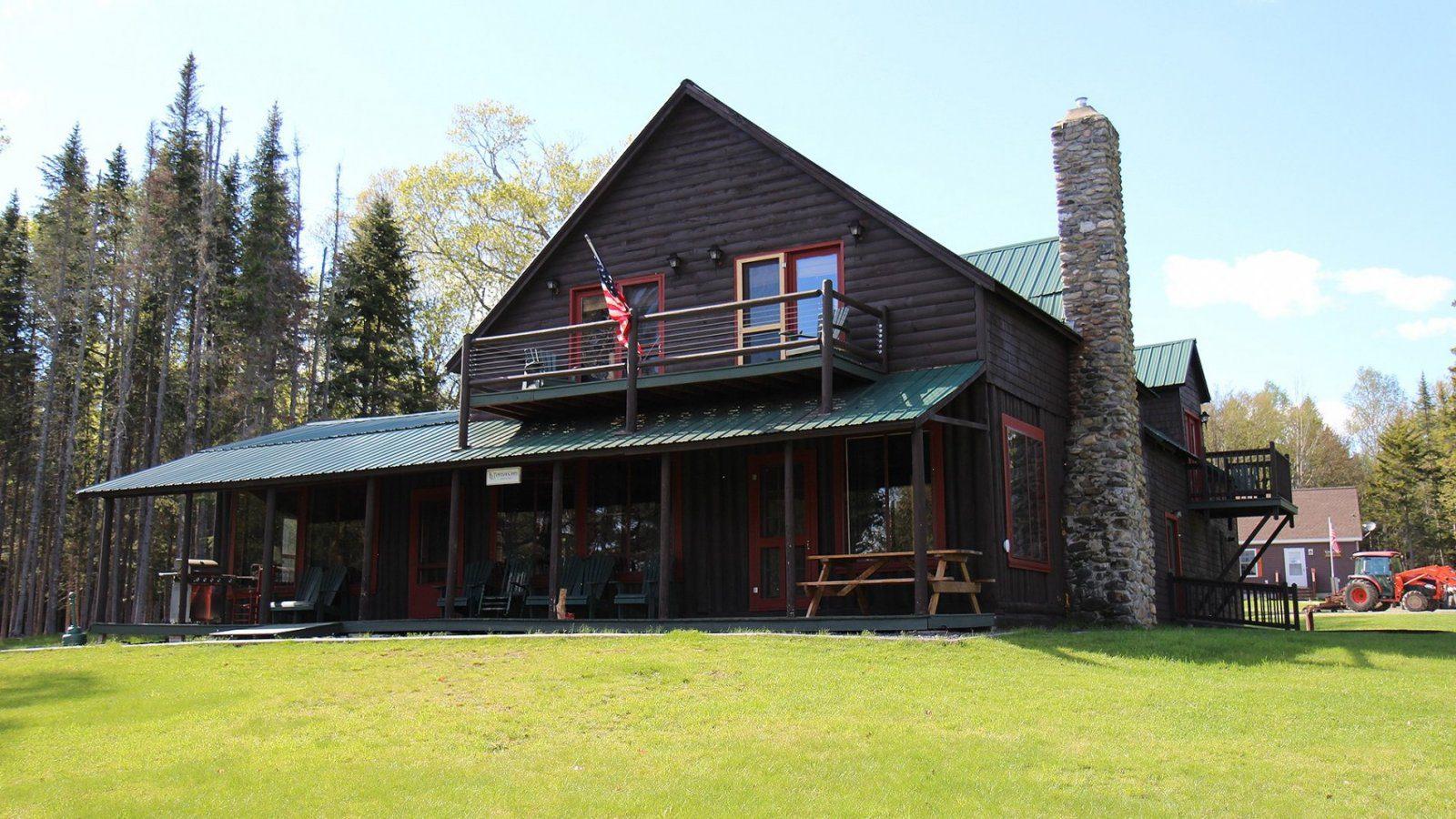 Tomhegan Lodge